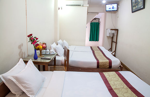 Single Bed Room
